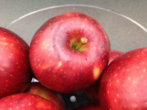 Cosmic Crisp® apples in a bowl